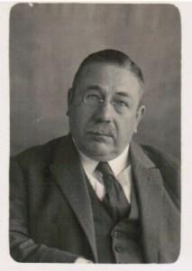 Dr. Hueting